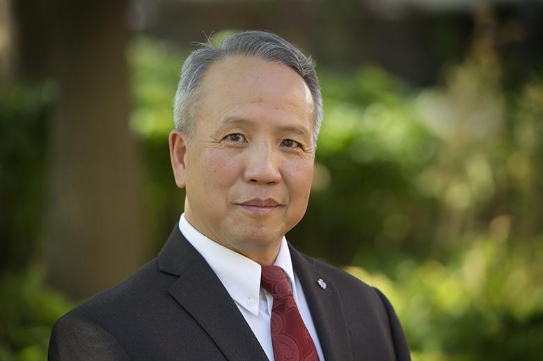 Photo of Dr. Hung Lee
